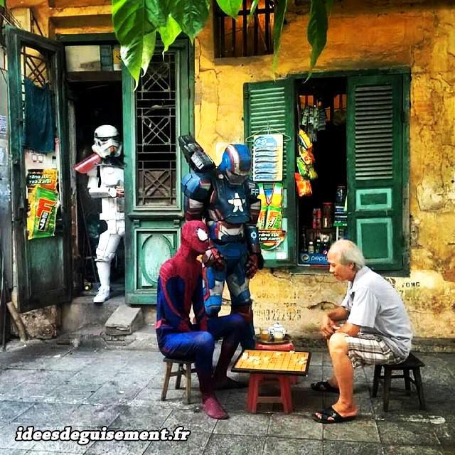 Déguisements lettre S de Stromtrooper & Spiderman