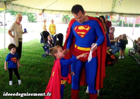 Déguisement lettre S de Superman