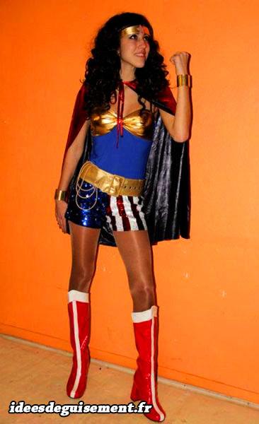 déguisement de Wonder Woman avec des paillettes