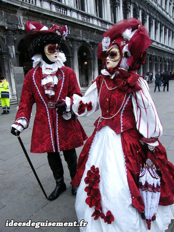 Costume en couple lors du Carnaval de Venise