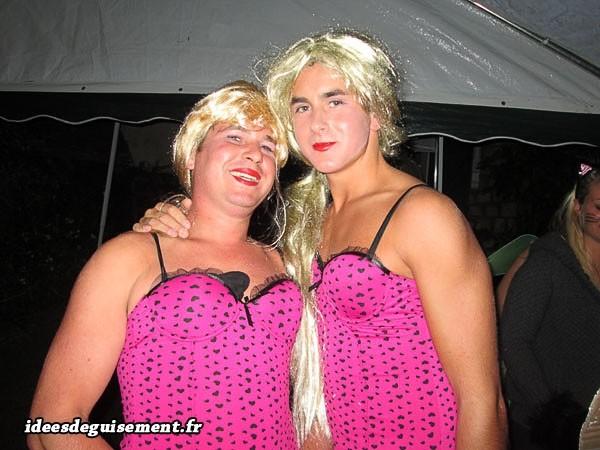 Déguisement de blondes russes en rose