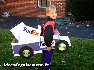 Déguisement FedEx facile à faire
