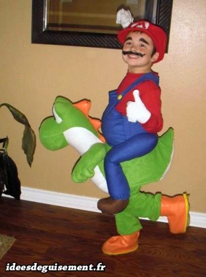 Costume Mario à dos de Yoshi