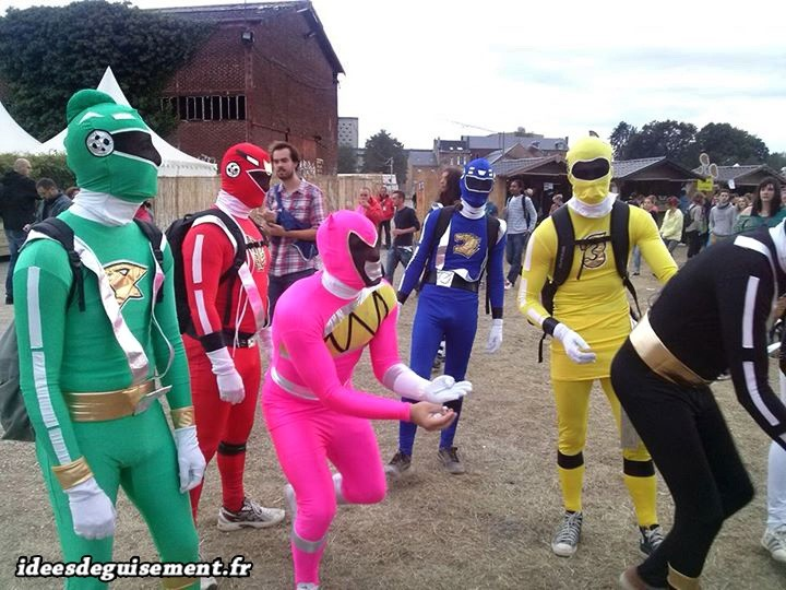 Costumes fluo des Power Rangers