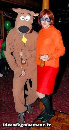 Déguisement lettre V de Véra de Scooby-Doo