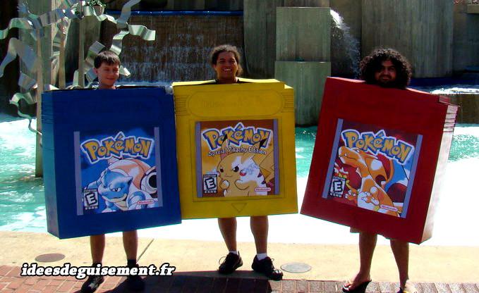 Déguisements en trio de cartouches gameboy bleu, jaune et rouge des jeux pokémon