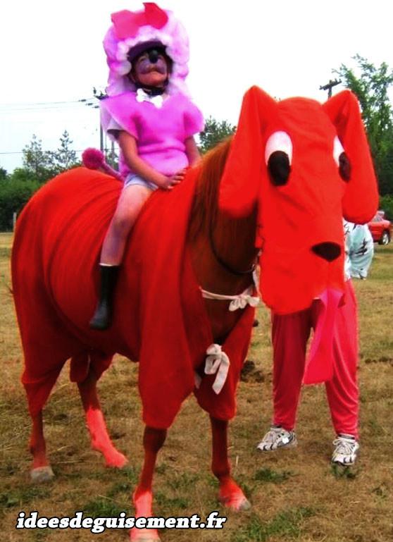 Déguisement de cheval chien rouge