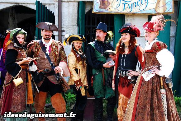 Costumes de pirates de la Renaissance