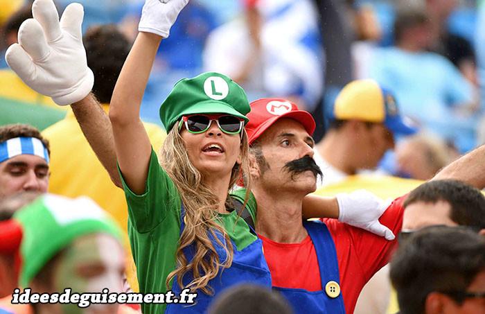 Supporters Italiens en Luigi et Mario