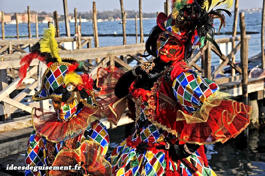 Déguisement d'Arlequin pour le Carnaval de Venise