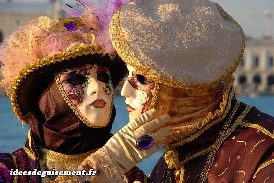Masques et chapeaux du Carnaval de Venise