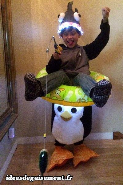 Déguisement de pêcheur sur un pingouin